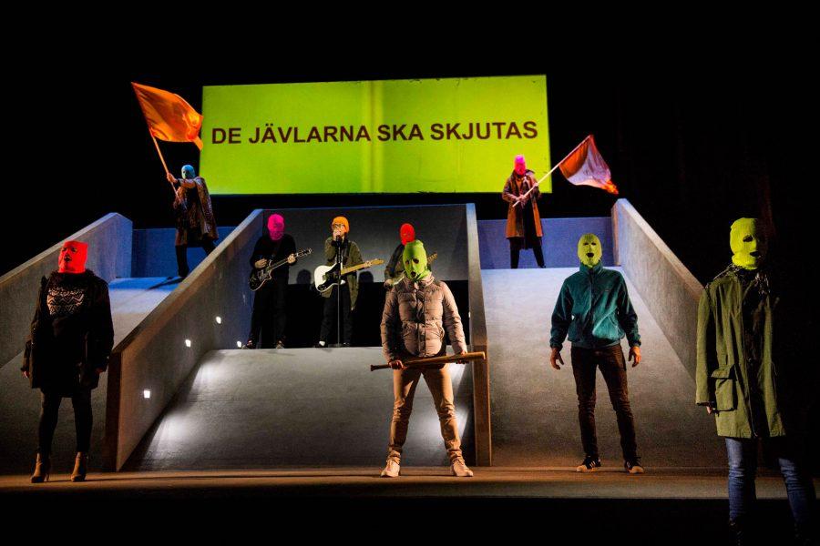 Befrielsefronten, föreställning, teater i regi av Sara Geise. Skriven av Maria Sveland. Beställare Pontus Olofsson, pressansvarig. Uppdrag åt Länsteatern.